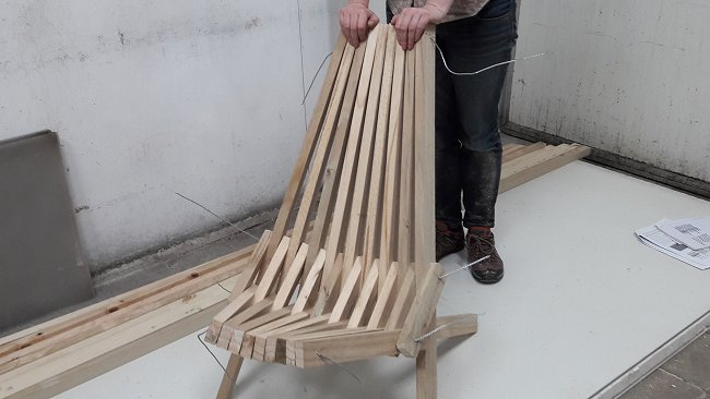 stick chair folding out